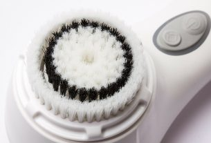 Cepillo exfoliante qué es, cómo utilizarlo y cómo elegir uno
