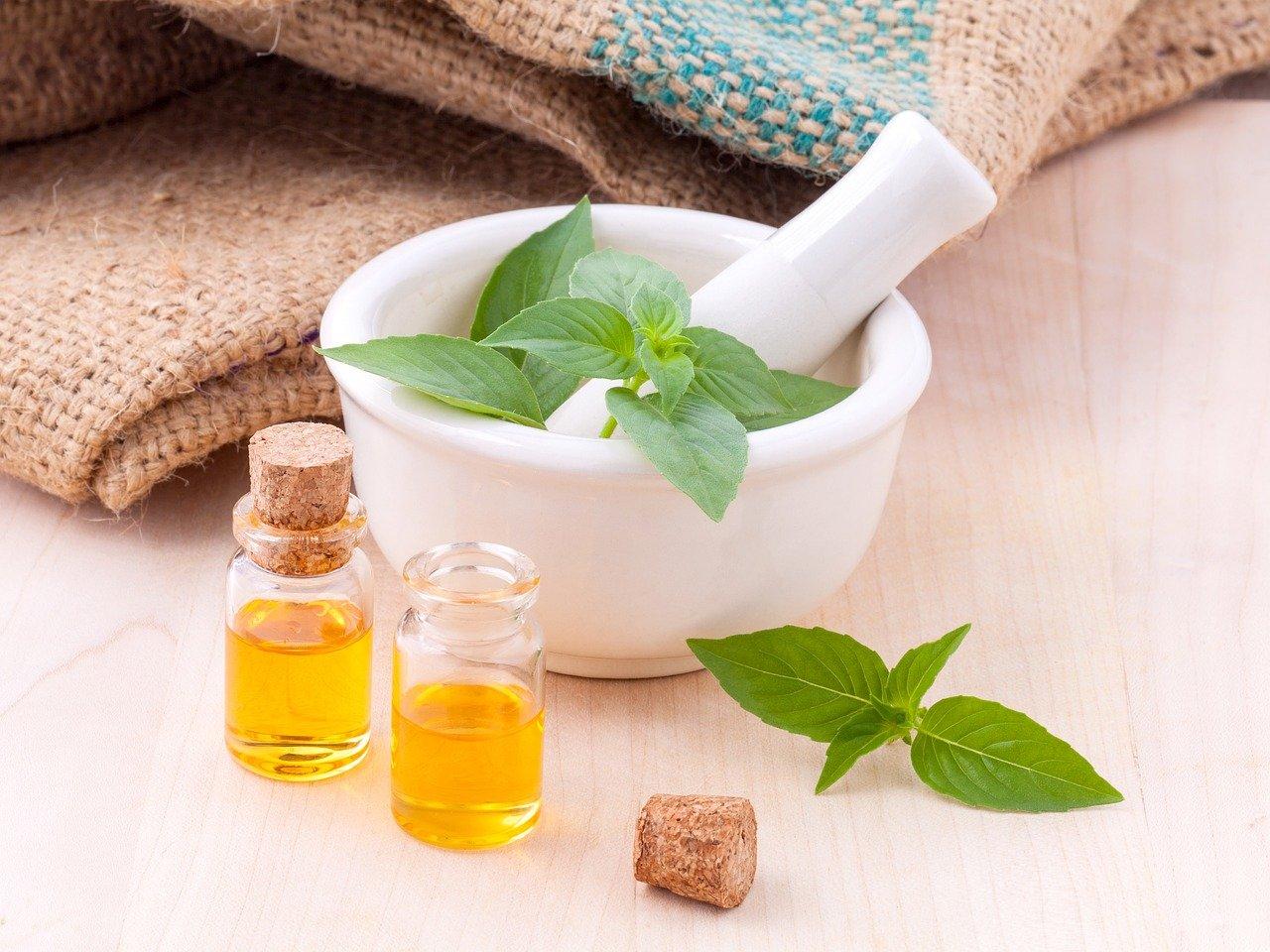 Crema reafirmante de abdomen casera de aceites esenciales