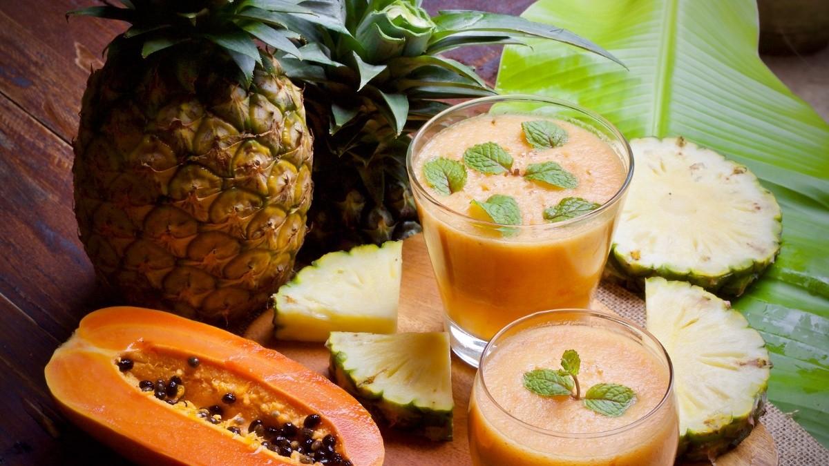 Piña, papaya y aceite de oliva
