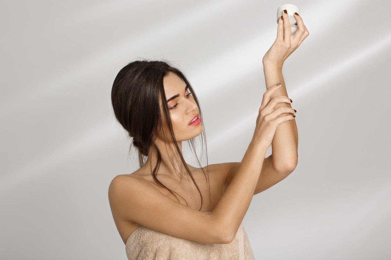 Síntoma de la dermatitis atópica en manos