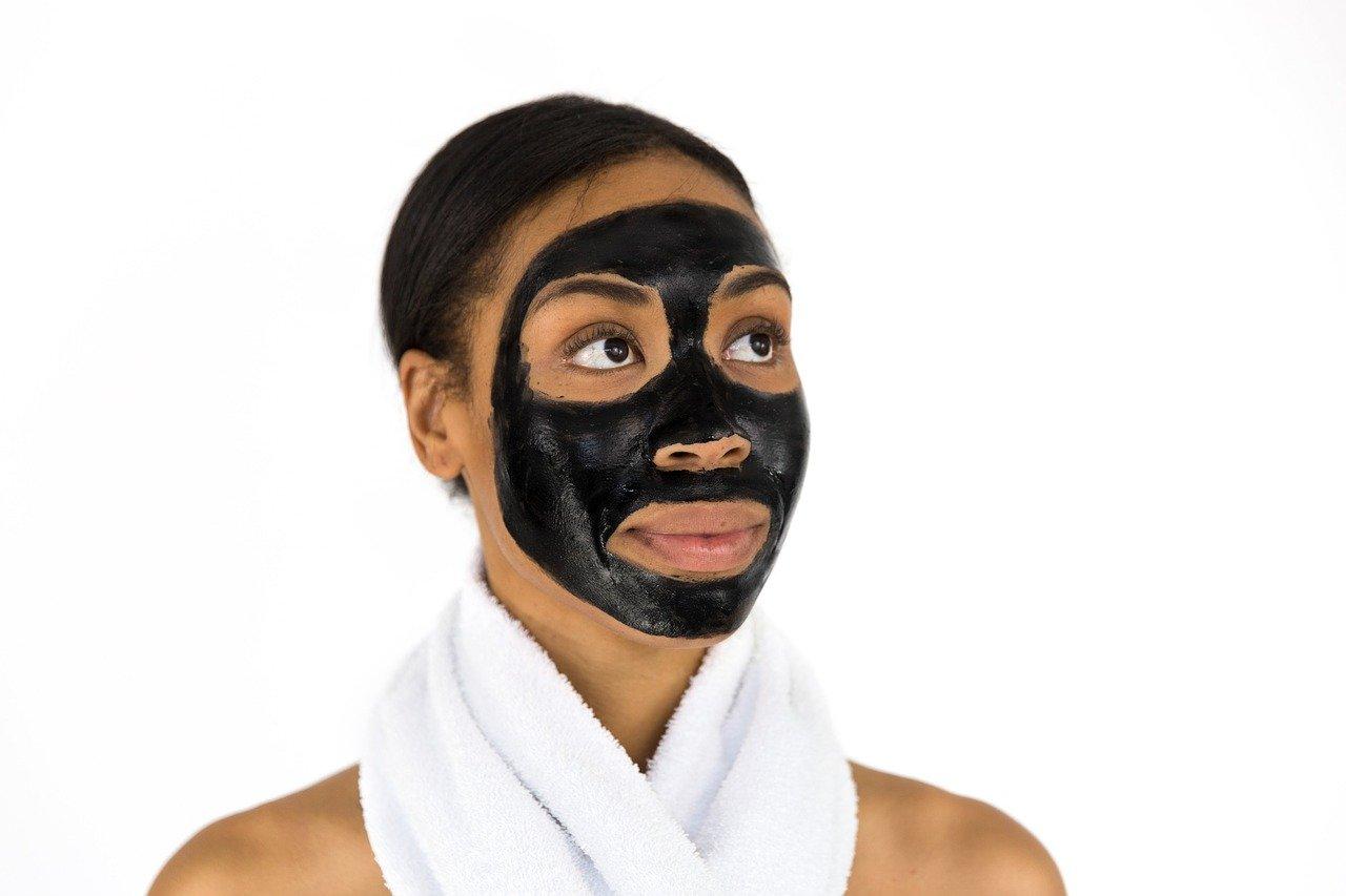 Usar mascaras y exfoliantes caseros