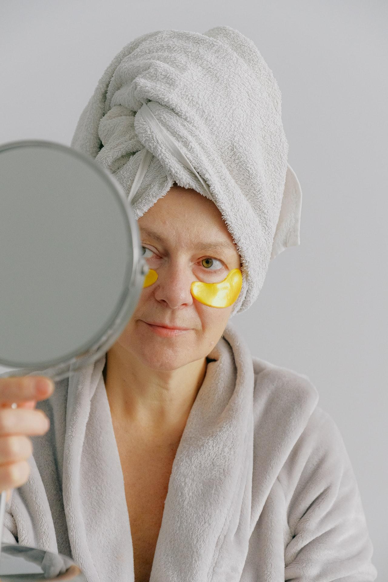 Beneficios del aceite de jojoba para el contorno de ojos