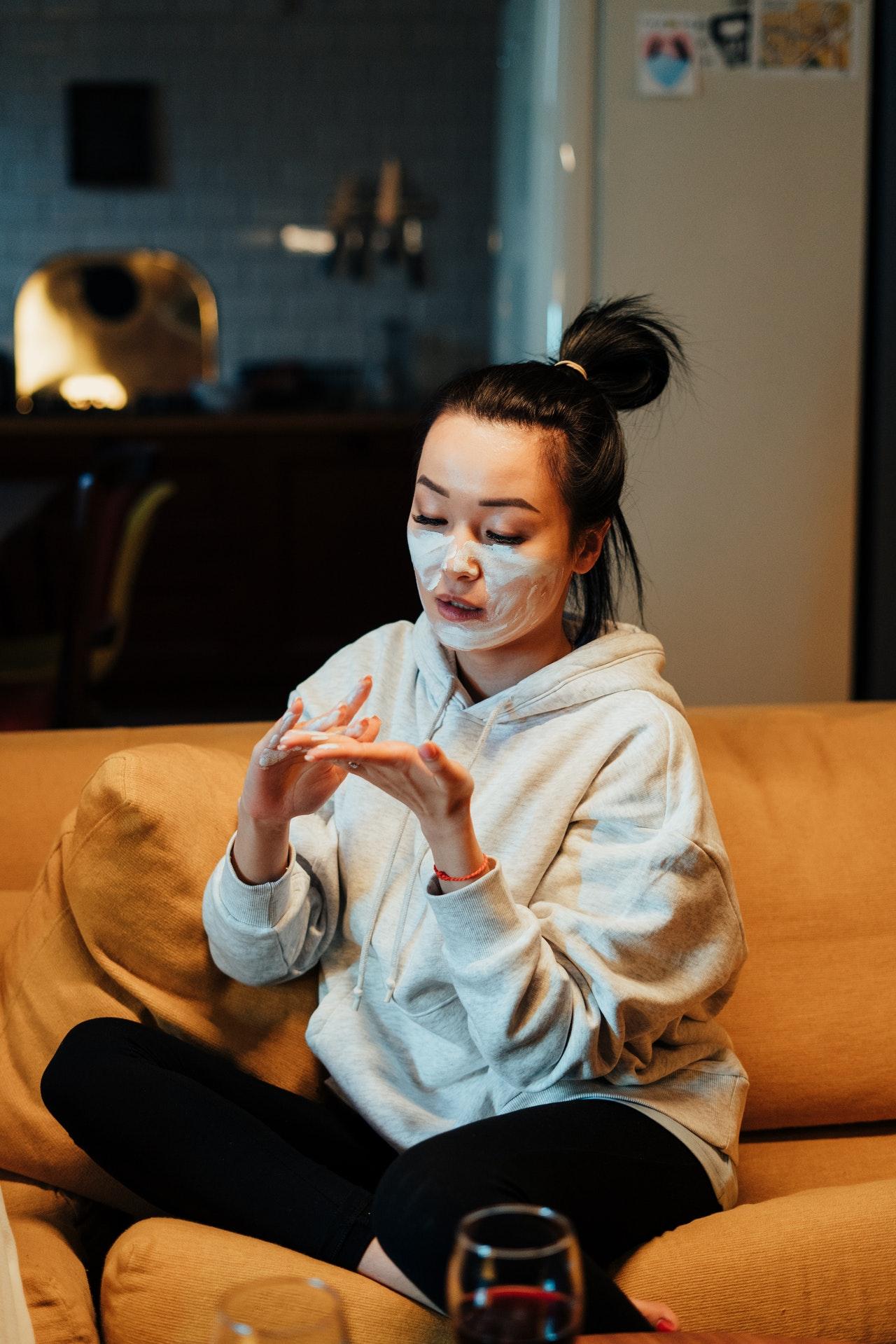¿Cómo hacer una mascarilla facial iluminadora