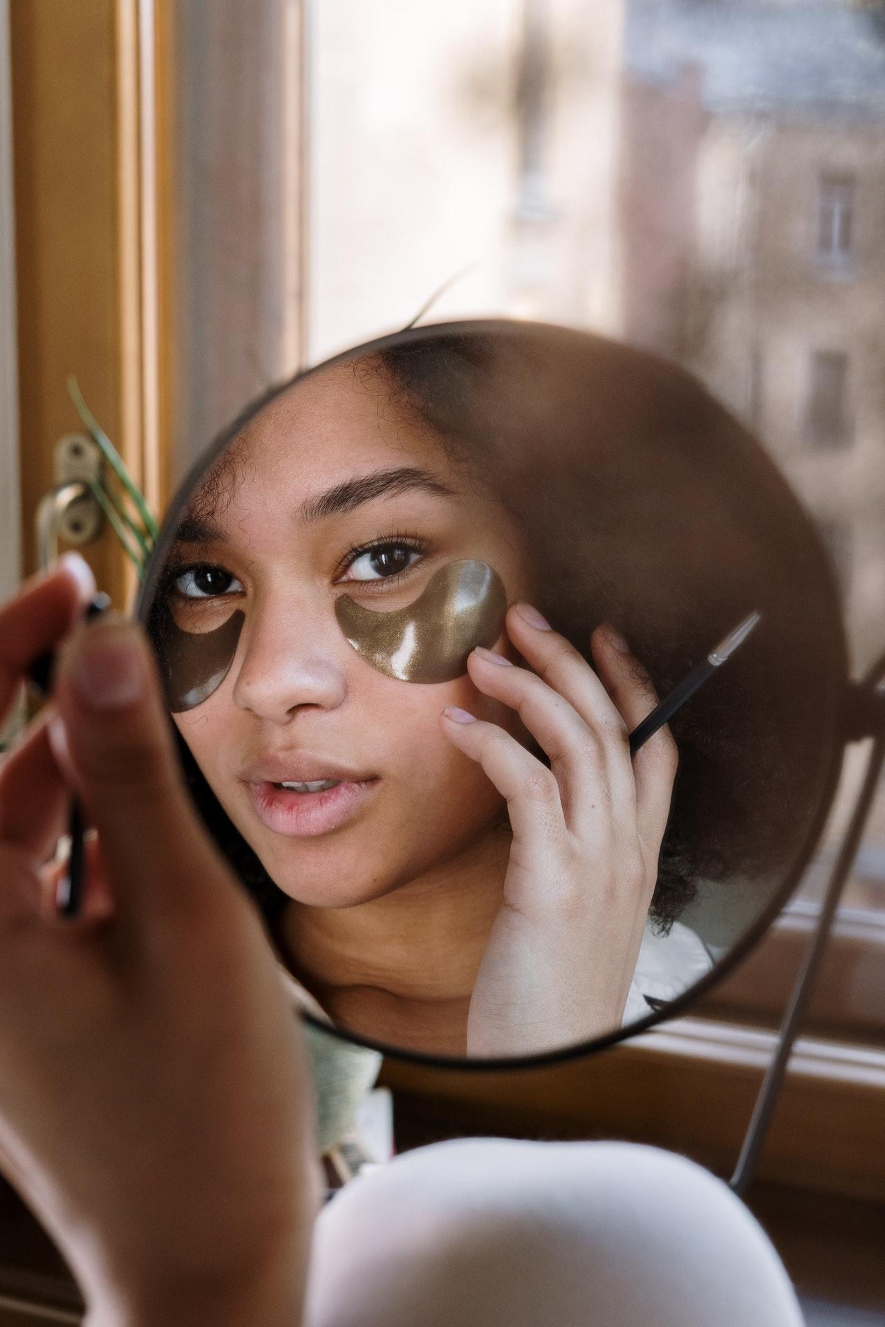 Consejos para ralentizar la aparición de arrugas del código de barras del labio superior