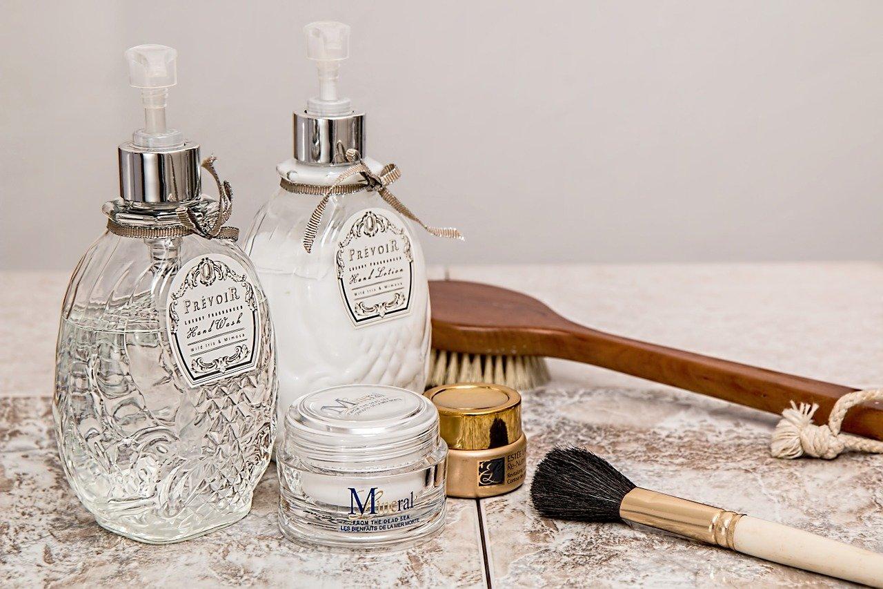 Doble limpieza facial qué es y qué beneficios tiene