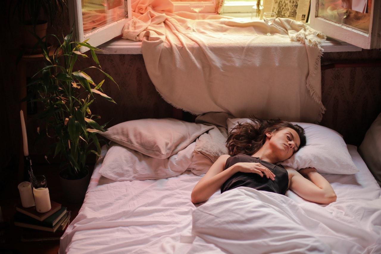 Duerme por lo menos 7 horas en la noche