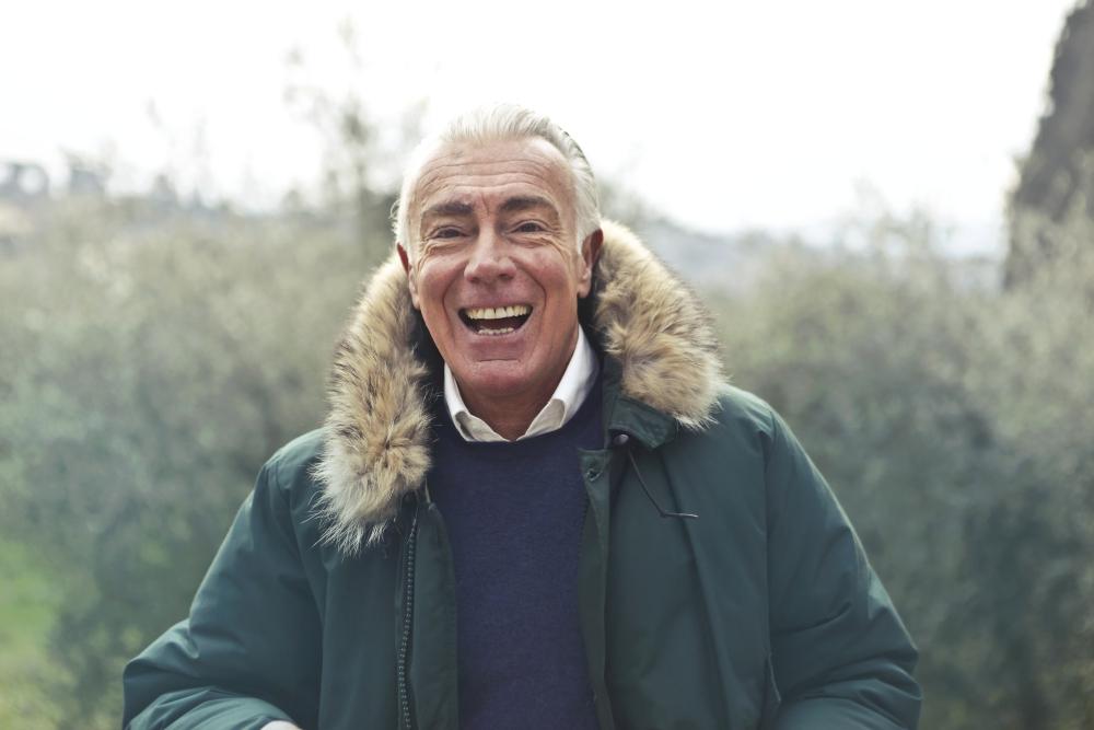 Las mejores cremas antiarrugas para hombres de 60 años